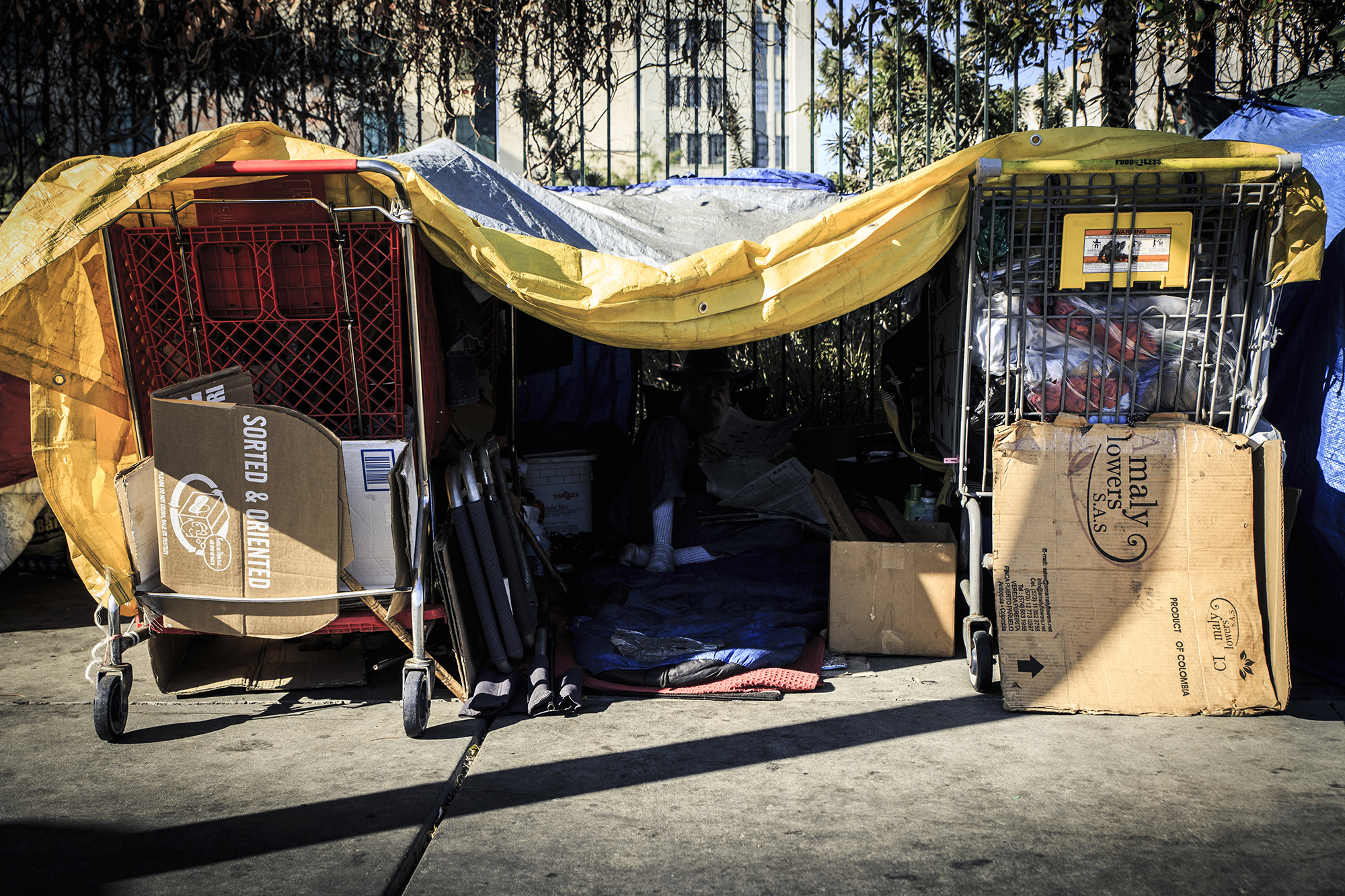 The crime of living without a home in los angeles for Homeless shelters los angeles