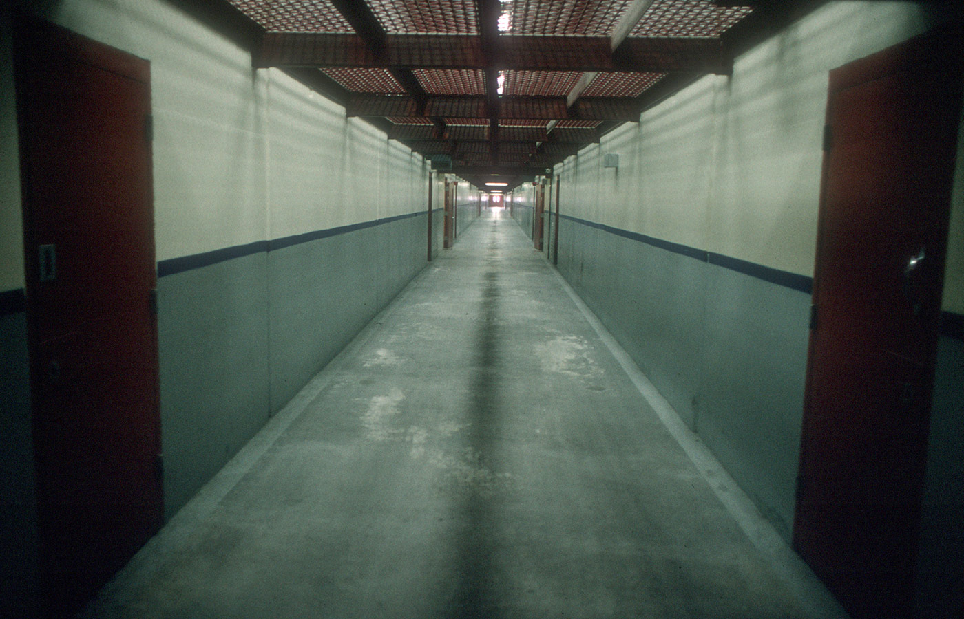 01 May 2000, California, USA --- A hallway in California's maximum security prison Pelican Bay. --- Image by © Andrew Lichtenstein/Corbis
