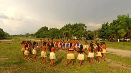 6-Munduruku-Indians-dancing-1483993793