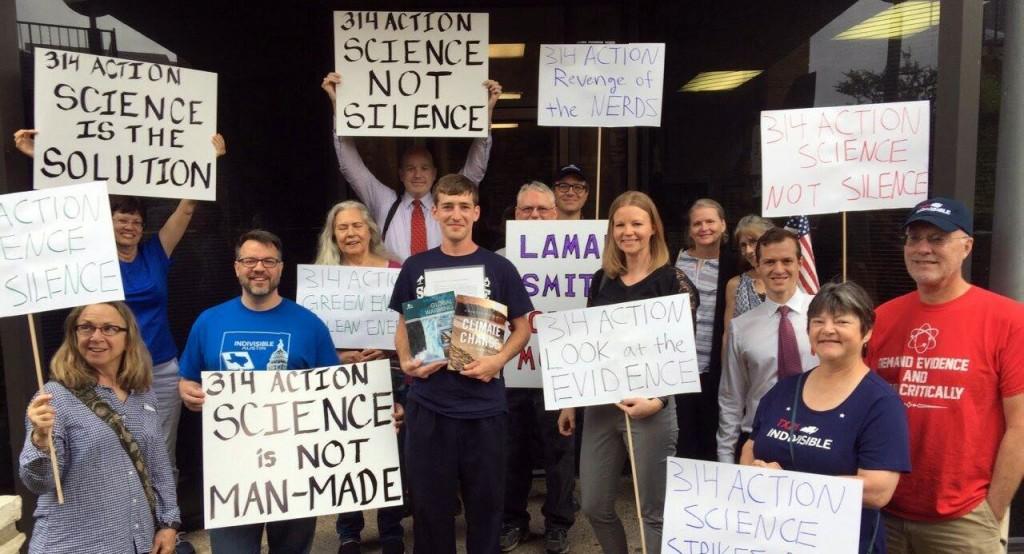 lamar-smith-climate-change-denier-voters-1495136715
