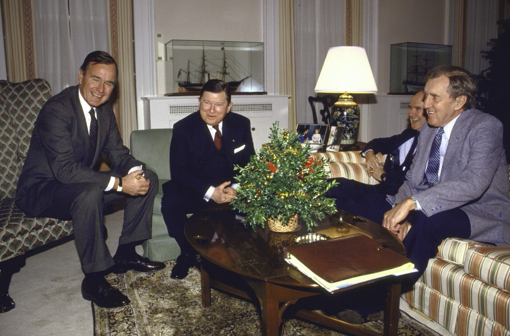 US Vice President George H. W. Bush talking with Tower Commission members who are investigating Iran-Contra affair at the White House.  (Photo by Dirck Halstead/The LIFE Images Collection/Getty Images)