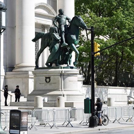 A estátua de Theodore Roosevelt vai cair. Este é seu passado sombrio.